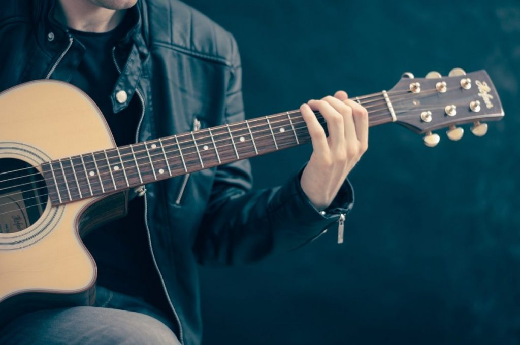 เล่นดนตรี