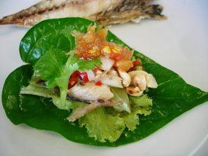 เมี่ยงปลาทูหรือปลาทูน่า